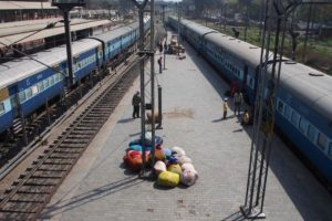 P3280301 300x200 India