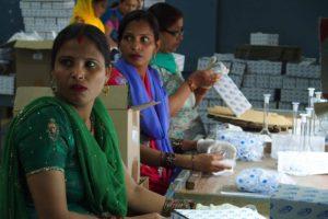 P3290401 300x200 India