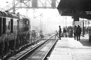 P3300470 300x200 India